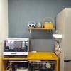 ユニットシェルフを使って、収納棚を設置する。
