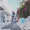 【動画解説】ミコノス島の移動手段はバギーの一択。素敵な街並みを颯爽とゆく
