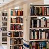 図書館の中の風景     福井は知事選