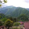 緑が綺麗な尾根歩き 六ツ石山