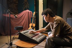 葛西敏彦 × KORG SoundLink MW-2408 〜音の練達が使い始めたハイブリッド・ミキサー