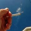 喫煙などの法律違反を犯す野球部員と野球部には厳罰が必要