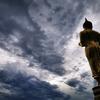 タイの北部(ナーン)に到着、さっそく(ワット・プラタート・カオノーイ)を見てきた。ブッダに祈ってきた。
