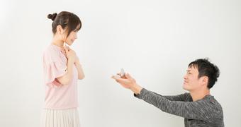 「やっぱ結婚しておこうか」結婚したがらなかった男が結婚をしたくなる瞬間 by 神崎桃子