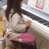 娘「みんなの知ってる歌じゃなくて昔の人が作った歌なんだよ。弾いてあげるね」