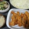 豚カツキャベツ添え、チンゲン菜としめじの中華和え、味噌汁