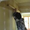 新築戸建て注文住宅の施工(建具の取り付け準備作業)