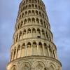 さすが!イタリア その7 暗闇に白いピサの斜塔