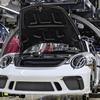 ポルシェ 911 「991型」生産終了...!最終モデル「スピードスター」がラインオフ!