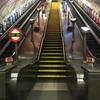 ロンドンの素敵な駅。ライトがこだわり?地下鉄「Swiss Cottage スイスコテージ」