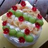 りんごとブドウのバースデーケーキと、いつものアユとリキ丸