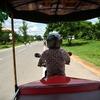 カンボジアからの出国は、トゥクトゥクで