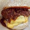 羽田空港国内線の本格グルメバーガー店「 自由が丘バーガー 羽田店 」のチリチーズバーガーは全く辛くない