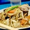 豊洲の「やじ満」で肉野菜炒め。