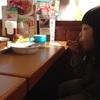 ココスなう。娘が外でうどんを食べたいとのこと。
