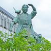 桃太郎像がお出迎え!からの後楽園バス@JR岡山駅東口