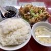 中区錦町 マリンハイツの「百鶴楼」で唐揚げ定食