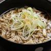 麺と一緒にずるずるいける「きのこ蕎麦」のレシピ