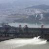 ●逃げろ、三峡ダム、決壊するぞ