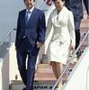 安倍首相、英から帰国…羽田空港に到着