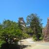 高知城を観光。豊富な展示を見て高知の歴史を学べて、天守閣からは高知市内を一望できます。