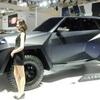 ● アラブお金持ち専用車?それとも富裕層向けバットモービル? 超絶高級SUV