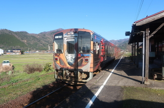 若桜駅「わかさカフェ」とライダーの聖地「隼」駅を訪問。若桜鉄道乗車記。