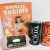 サメ映画を観ながらカルディで購入したポテチとソセと酒を嗜む成人男性
