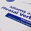 イディオムや句動詞を覚えてネイティブとの会話を楽しもう!『Idioms and Phrasal Verbs』で使える英語を身に付ける。