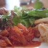Tさんのお料理…鶏むね肉のチーズ焼き&蕗のトマト煮♪