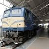 思想の形式①9…EF58国鉄電気機関車。