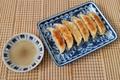 宇都宮餃子の食べ方!?最近流行りと噂の「酢コショウ」を試してみました