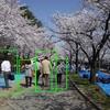 OpenCVでHOG特徴量を用いて人を検出する