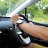 車の運転中でも筋トレをしたい人におすすめの筋トレグッズを紹介