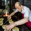 【中国B級グルメ】葱油餅だけを34年売り続けたおじいさんの店が突如人気店に