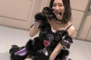 松井珠理奈、卒コンオフショット写真を公開!小悪魔コスに「あざとかわいい」とファン沸き立つ