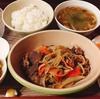 味付きジンギスカンと野菜を炒めただけ!ごはんがすすみます(*^▽^*)