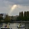 洗足池でボートと散歩