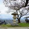 2016大山と鶴岡公園のさくら