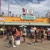 独立記念日恒例イベント!ニューヨークで「ネイサンズ国際ホットドッグ早食い選手権」観戦