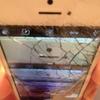 iPhone画面が完璧に割れて1万円が飛ぶ
