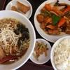 「京華」で、酢豚セット