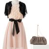 「浮きたくない」がキーワードの謝恩会ドレス。