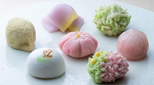 """京菓子の""""今""""―伝統を受け継ぎ、未来へつなぐ美しい食文化"""