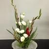 お花のお稽古の後、10月に出品する華道流内展の花材を検討しました。