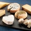 フランス最高「チーズ熟成士」ーーチーズの声を聴く3人の魔法使いたち