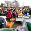 聖天宮前で、軽トラック市開催!坂戸市の農業と観光PRに一役