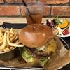 アパレルブランドが展開するハンバーガー店「J.S. BURGERS CAFE」