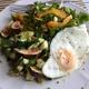 果物を適当に日々のサラダに(苺、ブルーベリー、マンゴー、無花果、黒プラム)