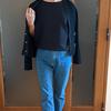 デニムパンツをビジネスモードに格上げ|上質なコクーンブラウスでお蔵入りのブランドジャケットが復活!